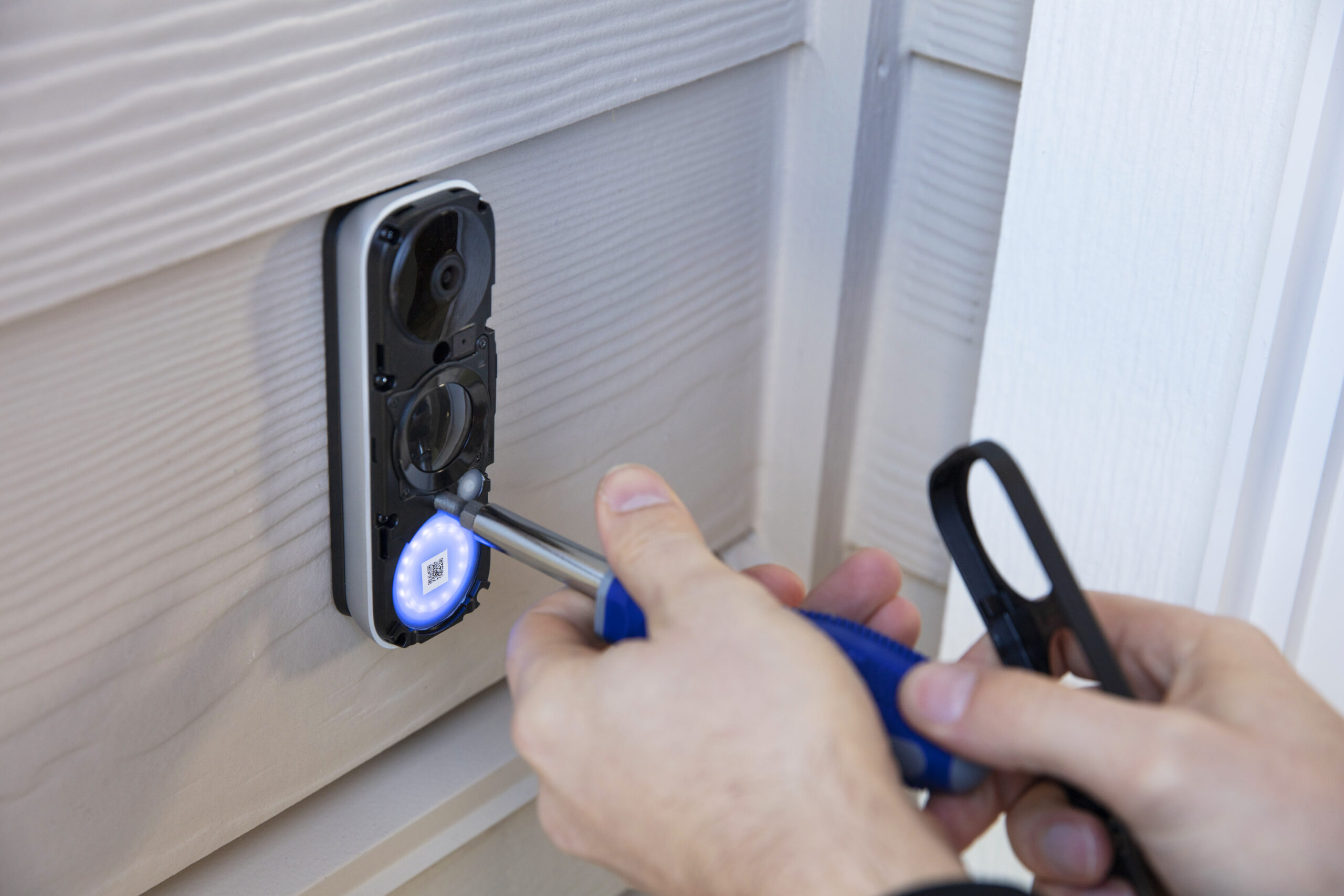 Doorbell installer 5